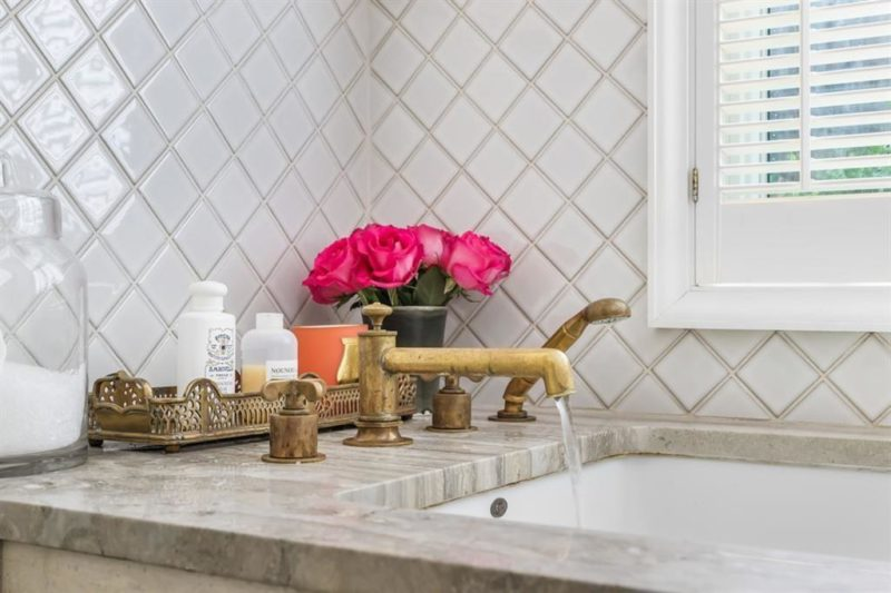 diamond tile around bathtub