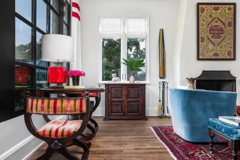 Austin Bungalow 122 Laurel Lane For Sale Living Room
