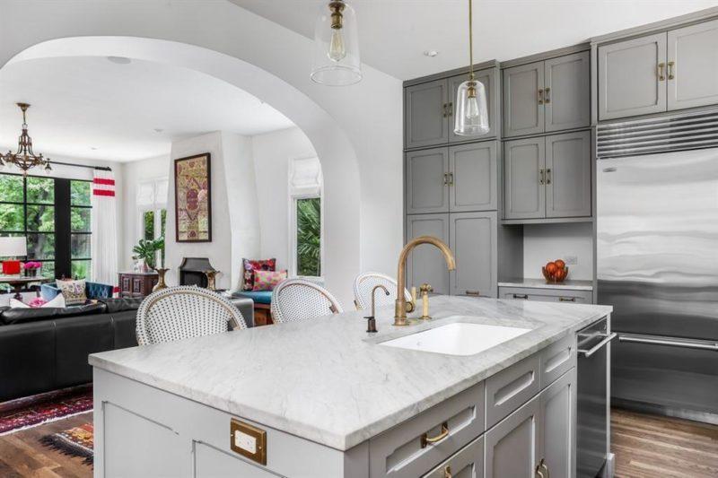 Austin Bungalow 122 Laurel Lane For Sale kitchen island
