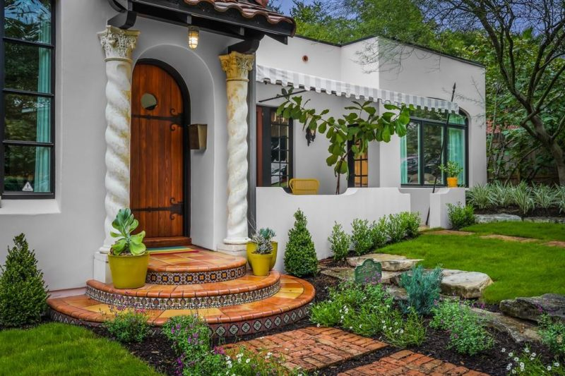 A Charming Spanish Revival Bungalow For Sale in Austin - Hooked on Houses