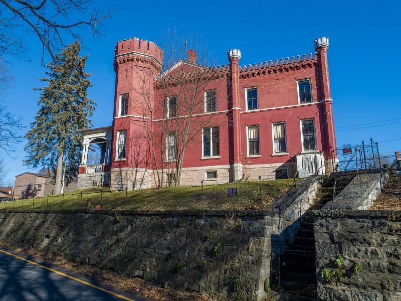 side view of Auburn Castle for sale