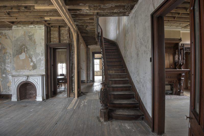 staircase in Auburn Castle