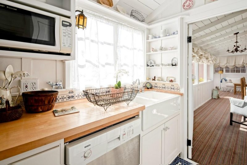 Cottage kitchen in Carmel