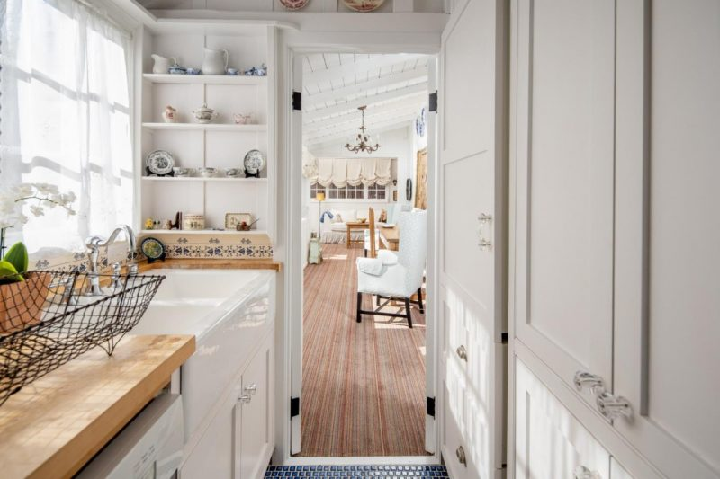 door from kitchen to dining area in cottage
